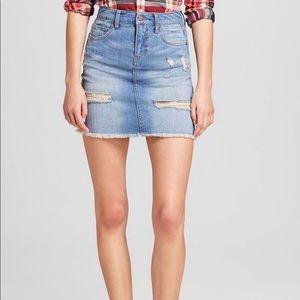 Distressed denim skirt. Size 6/28 waist